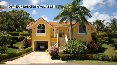 Charming and comfortable Villa with a welcoming atmosphere, fully furnished and equipped on both floors; perfect combination for a bigger family, or can be used as a great rental property.  Upstairs the villa offers four (4) bedrooms with A/C, three (3) bathrooms, kitchen, dining and living room area. Tropical grounds with a private swimming pool. Downstairs, the villa offers a complete separated one (1) bedroom apartment with bathroom, bedroom with AC, kitchen-living room area. As well as an open garage and parking spot. Walking distance to the main gate of the community only a couple of minutes, from there Sosúa center, Sosúa & Alicia beach, night life, restaurants and activities are reachable in 10 minutes' walk.