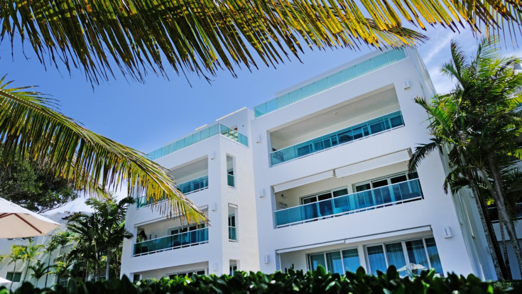 Ocean view, On the Ocean, Great condo views, Retire in Paradise, Great Vacation Investment, Lots of Amenities, Great resale value